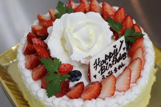 バラの華のケーキ