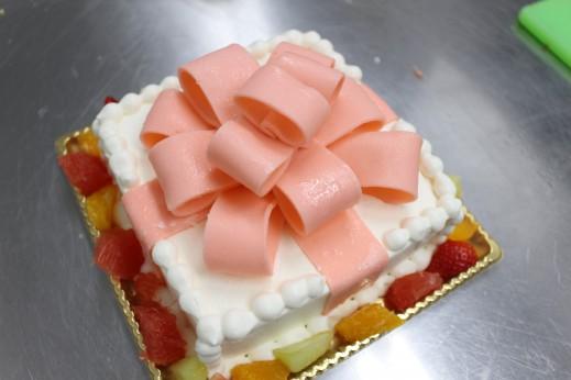 リボンプレゼントBOXケーキ